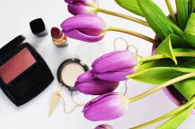 kosmetyki do makijażu naturalnej produkcji